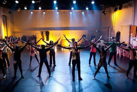 Eine politische Revue zum fairen Handel von Stephan Bruckmeier und dem Ensemble des Hope Theatre Nairobi.
