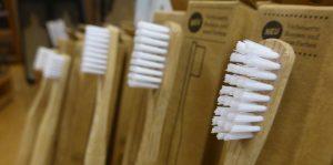 Zahnbürsten aus Bambus, Hydrophil